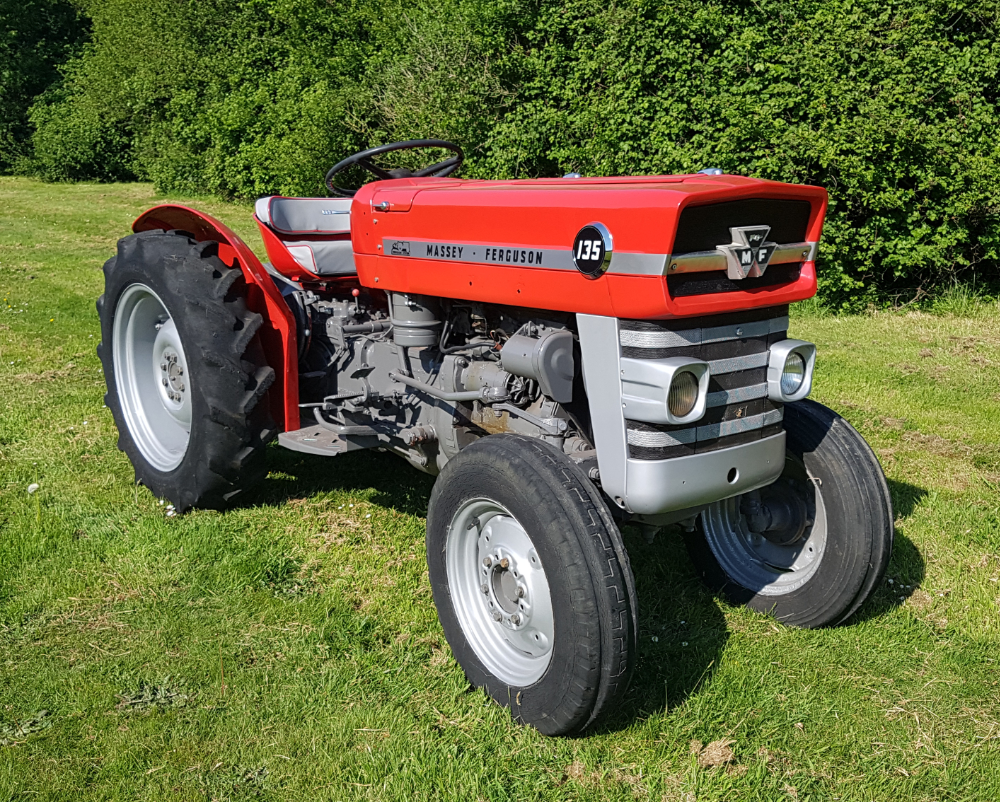 massey-ferguson-mf135-vineyard